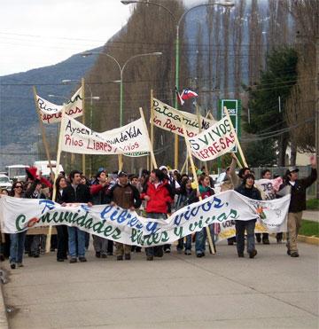 Obispo de Aisén lanza dura carta medioambiental con Leonardo Boff